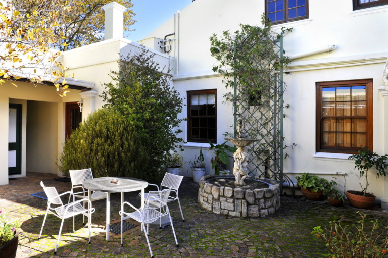 La Maison Cottages Happy Valley Accommodation in Franschhoek